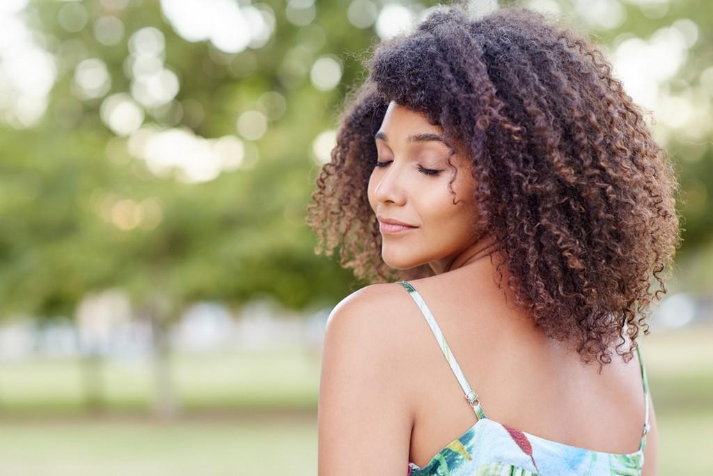 como deixar o cabelo cacheado3 - Como deixar o cabelo cacheado: dicas, segredos e principais truques para ter cachos perfeitos