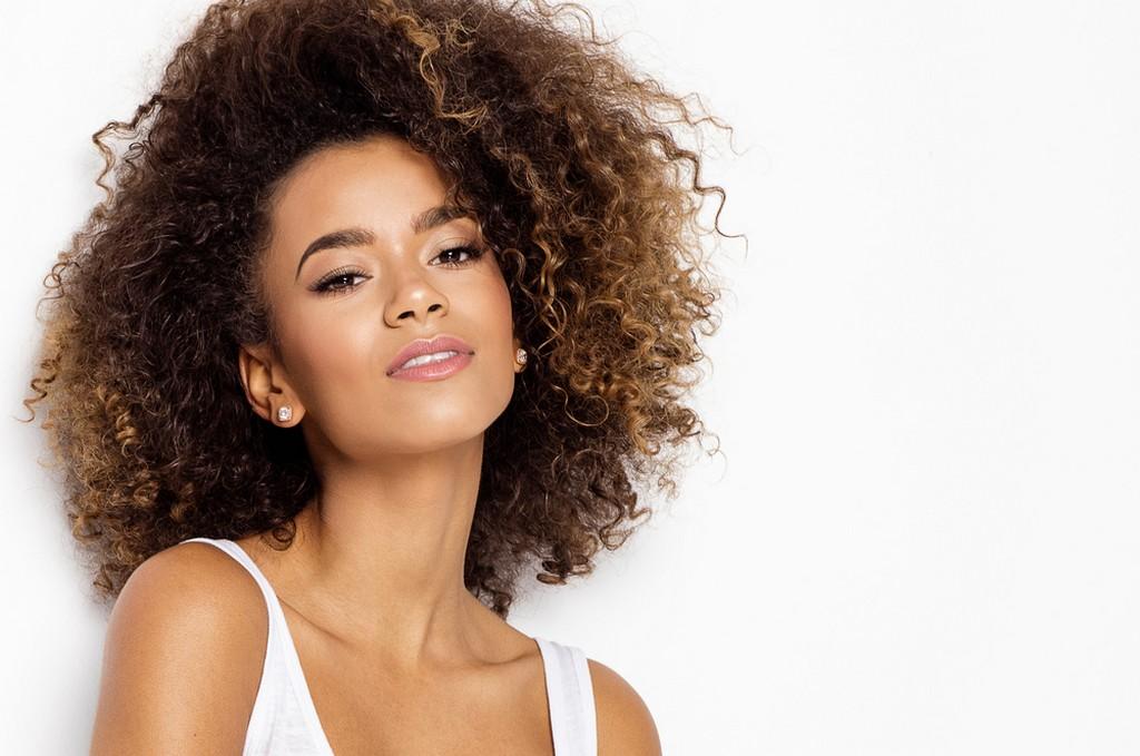 como deixar o cabelo cacheado9 - Como deixar o cabelo cacheado: dicas, segredos e principais truques para ter cachos perfeitos
