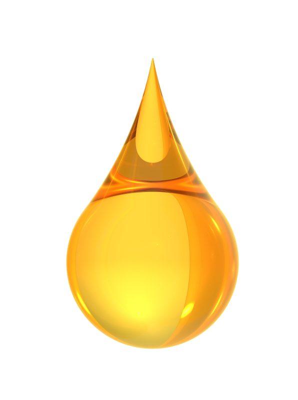 shutterstock 146720216 1 596x800 - Como utilizar óleos vegetais no cabelo