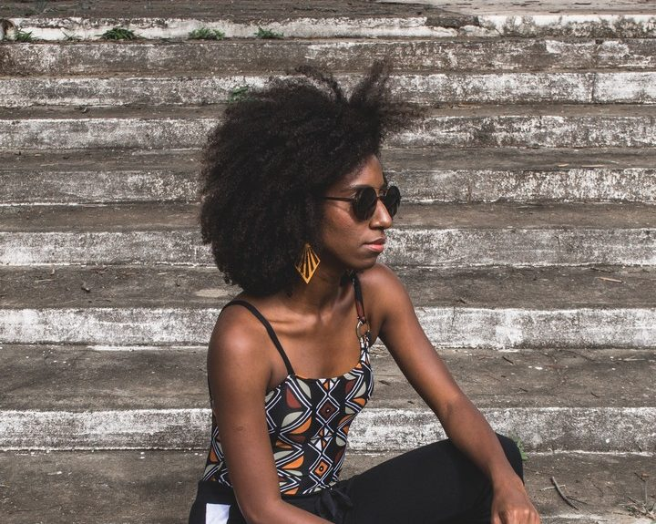 lucas lenzi 633219 unsplash e1551459993546 - Corte de cabelo curto: dicas para acertar na escolha