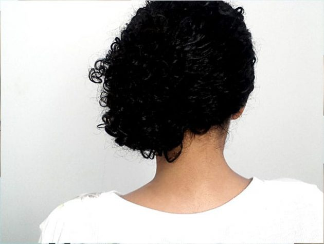 4 1 630x474 - Coque lateral para cabelos cacheados: passo a passo