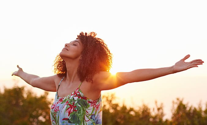 base miniatura todecacho - 8 dicas básicas para você cuidar do cabelo na Primavera/Verão