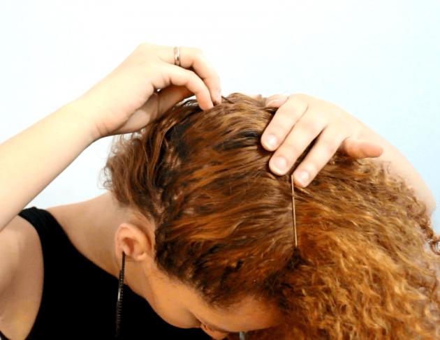 b 2 1 630x487 - Penteado fácil e rápido para cabelos cacheados