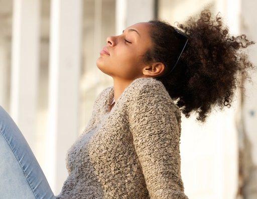 iStock 476362408 e1551287396390 - Como arrumar cabelo curto ou em transição