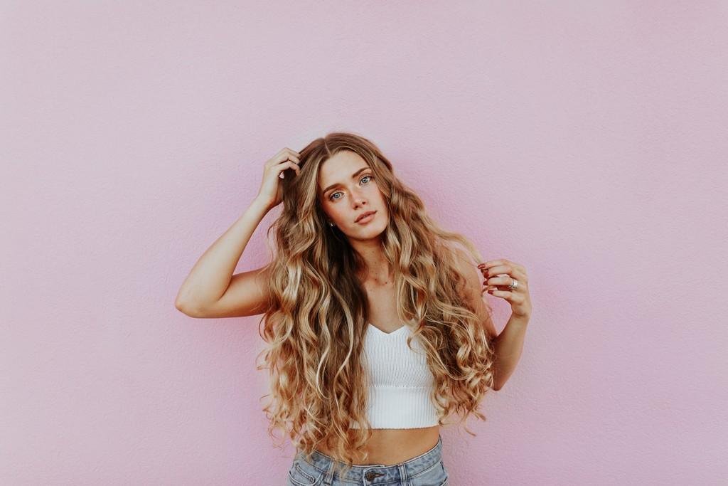 Reflexo no cabelo, luzes ou mechas: qual escolher e diferenças