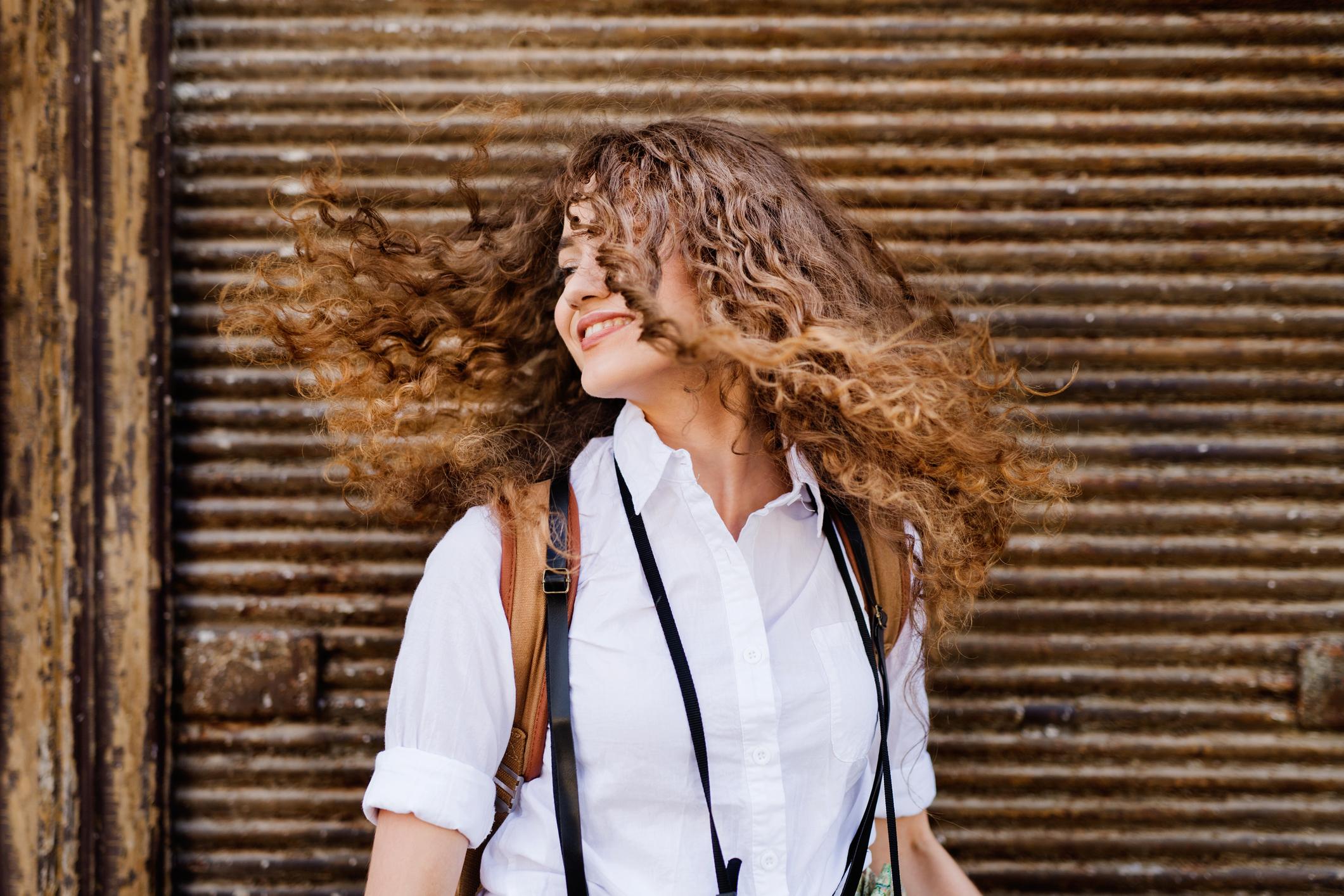 iStock 861719024 - Reflexo no cabelo, luzes ou mechas: qual escolher e diferenças