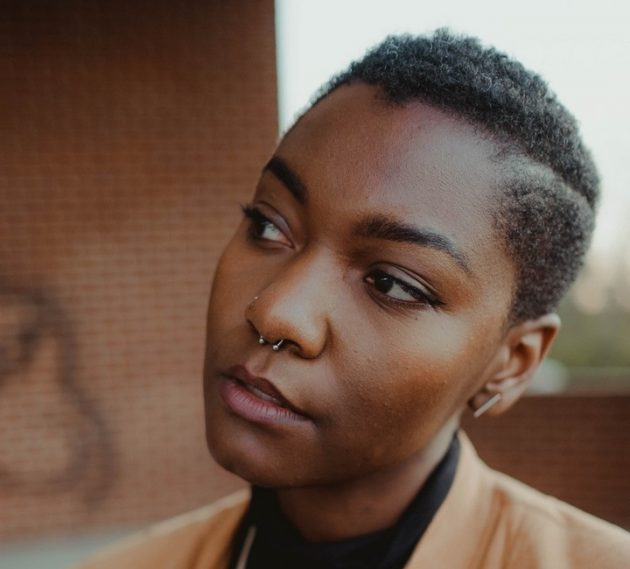 tanja heffner 431530 unsplash 630x569 - Cabelo curto feminino: tendências de cabelo curto para 2019