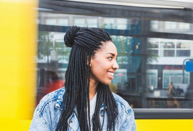 Penteados para cabelos cacheados e crespos passo a passo