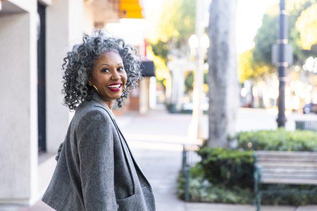 Cortes para cabelos longos: melhores opções para cacheadas e crespas