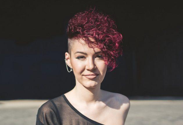 Cor de cabelo marsala: dicas de técnicas de coloração e manutenção da cor