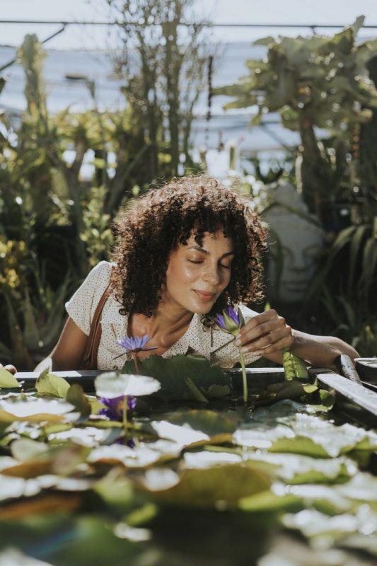 iStock 1070397074 533x800 - Cortes de cabelo feminino: fotos, dicas e tendências de cortes para apostar