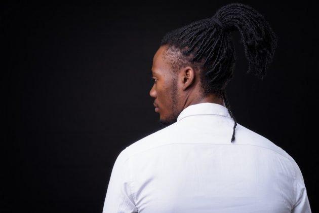 penteados masculinos 13 630x420 - Penteados masculinos: dicas e inspirações de penteados para cabelos longos, médios ou curtos