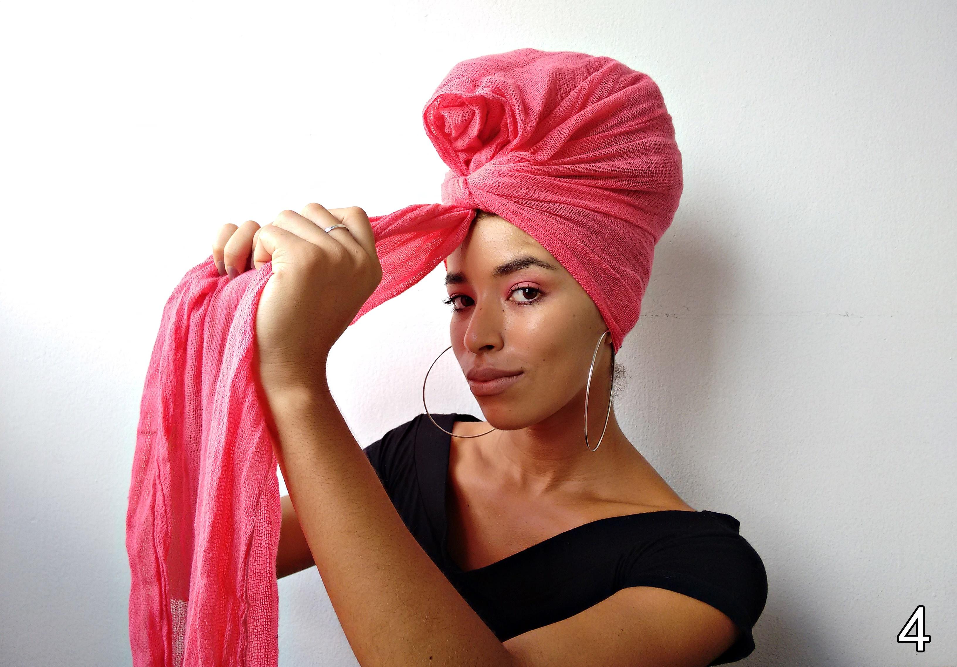 Penteado moderno e prático com turbante