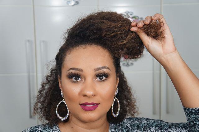 imagem  Sarah trindade PenteadoFalsoMoicano 4 - Falso moicano: penteado para cacheadas e crespas