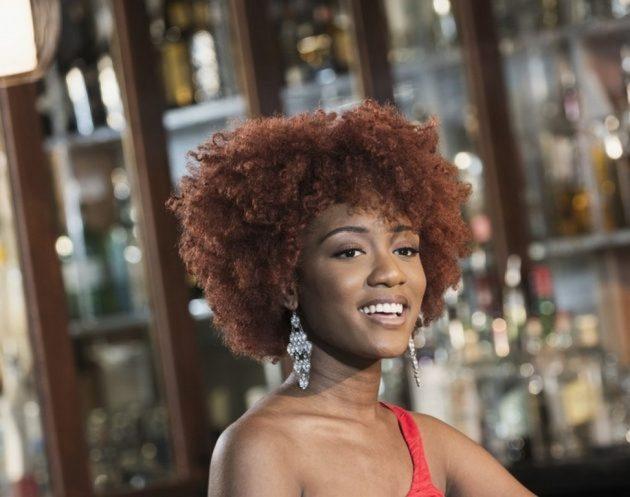 modelos de cabelos curtos48 630x497 - Corte de cabelo curto cacheado: inspirações de cortes chanel, pixie, bob e mais