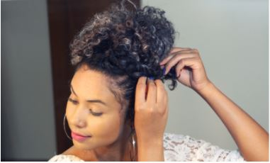 Penteado para cabelo cacheado e crespo