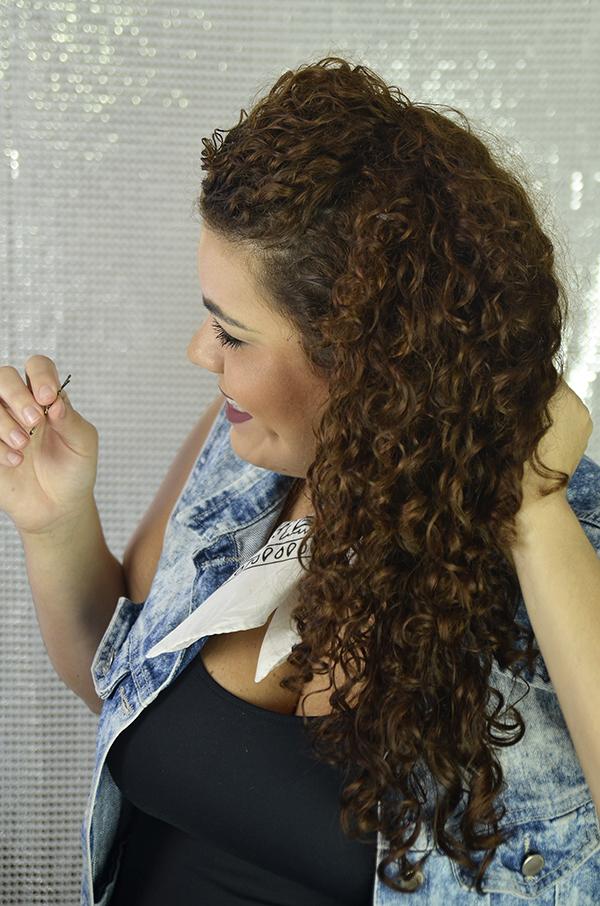 4 - Penteados semipresos: penteado lateral com topete
