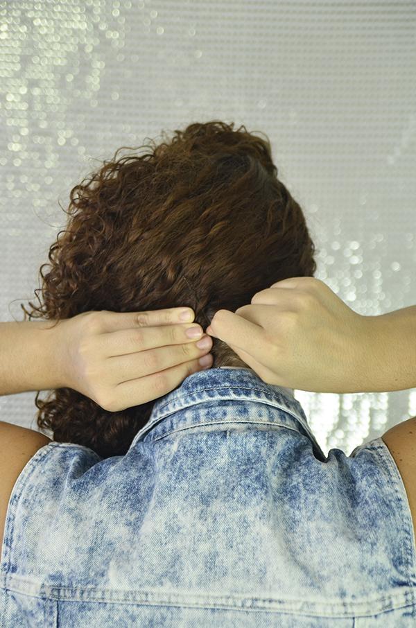 7 - Penteados semipresos: penteado lateral com topete