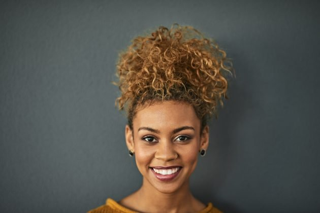 Penteados para madrinhas cabelo médio 22 630x420 - Penteados para madrinhas cabelo médio: fotos e dicas de penteados soltos, presos e semipresos