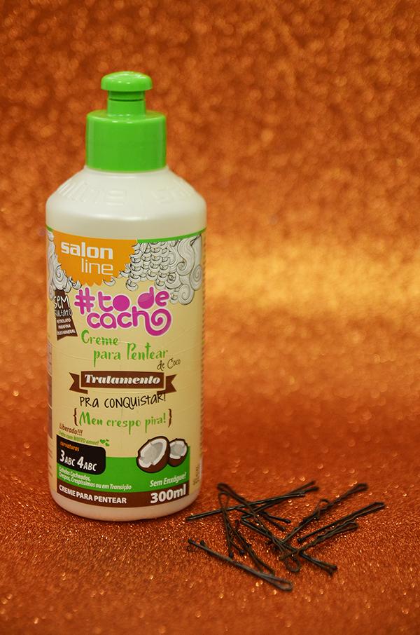 Penteados semipresos: penteado lateral com topete