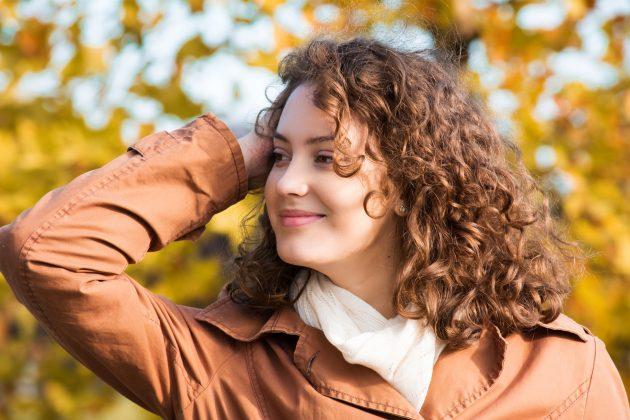 morena iluminada 14 630x420 - Dicas para arrasar com o look morena iluminada no cabelo cacheado e crespo