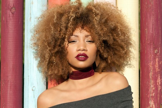 cabelo cacheado com franja9 630x419 - Cabelo cacheado com franja: melhores opções de franja para o seu cabelo