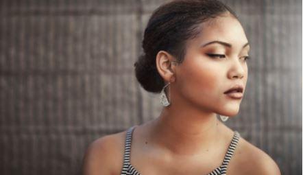 penteado coque lateral - Penteados de madrinha: fotos e dicas de penteados para madrinha de casamento