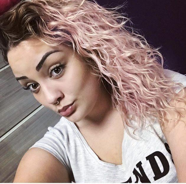 FOTO 2 1 630x622 - Transição capilar: cuidados na descoloração e coloração dos cabelos