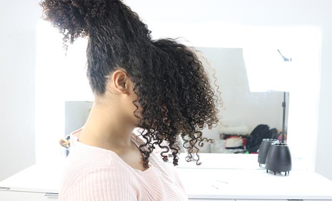 Transição capilar: cuidados na descoloração e coloração dos cabelos