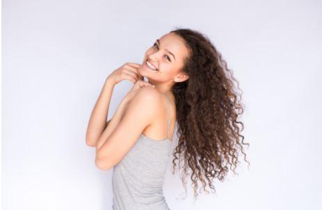 cabelo enrolado - Cabelo cacheado: cuidados essenciais para o dia a dia