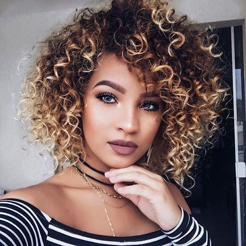Coloração para cabelo cacheado: dicas práticas