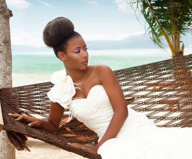 Penteado de noiva: dicas para combinar vestido e penteado