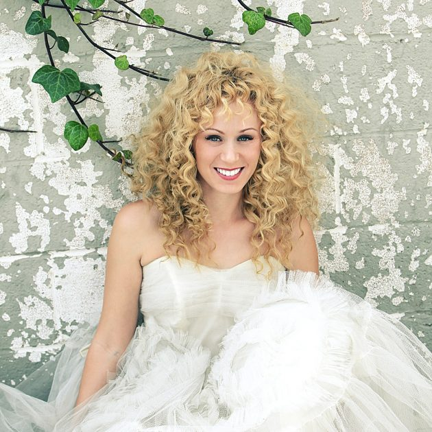 iStock 471517885 min 630x630 - Penteado de noiva: dicas para combinar vestido e penteado