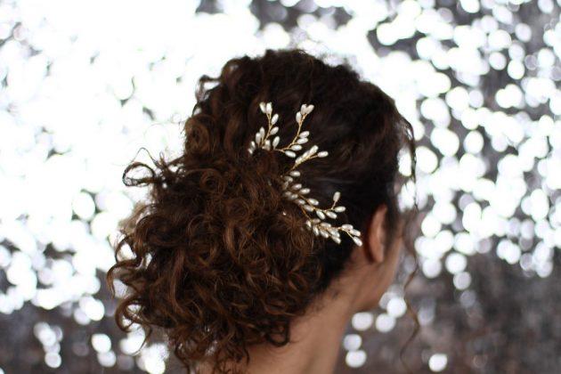penteados para cabelos cacheados para festa1 630x420 - Penteados para cabelos cacheados para festa: Escolha o seu preferido e arrase