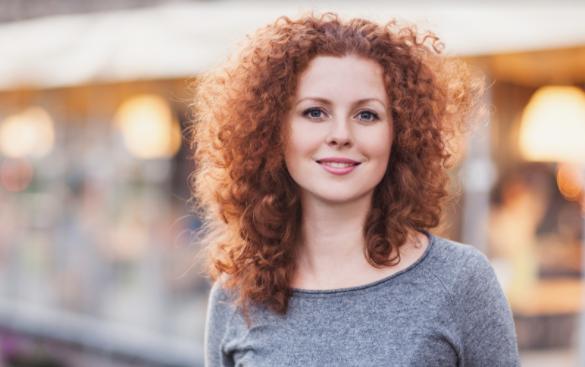 cabelo ruivo cacheado 2 - Cabelo ruivo: dicas de coloração, cuidados, corte e manutenção