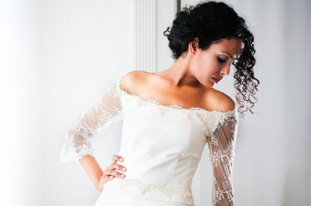 iStock 147545341 630x418 - Penteados para cabelos crespos e cacheados: 60 inspirações