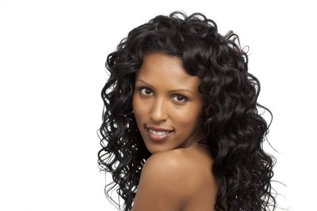iStock 155004318 630x420 - Aplique de cabelo: manutenção e técnicas de alongamento e mega hair