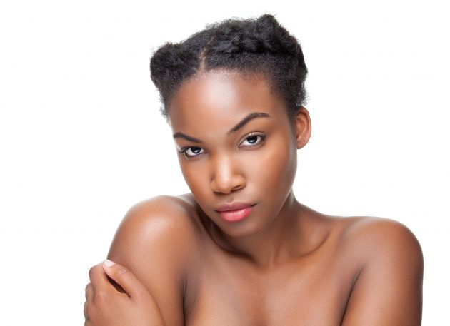 iStock 497863686 630x457 - Penteados para cabelos crespos e cacheados: 60 inspirações
