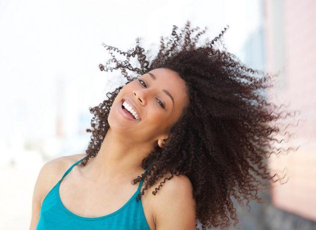 cabelo castanho escuro 630x458 - Cabelo: melhores produtos, cortes, penteados, cores e tratamentos