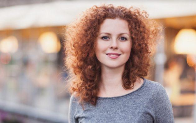 cabelo ruivo cacheado 630x395 - Cabelo: melhores produtos, cortes, penteados, cores e tratamentos
