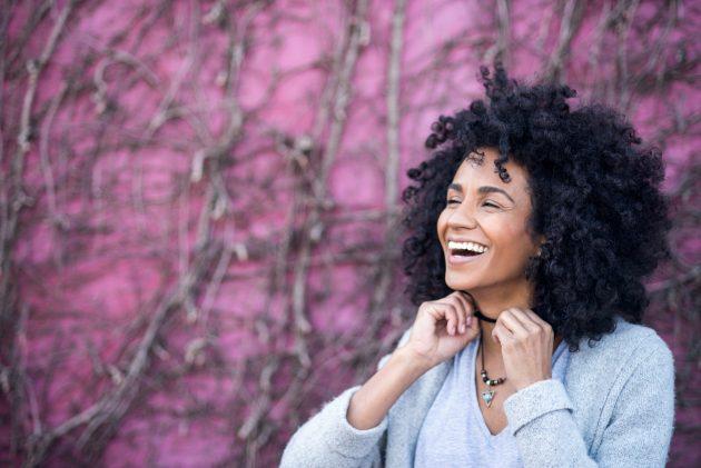cabelos afro 630x421 - Cortes com franja: ideias para todos os estilos e formatos de rosto