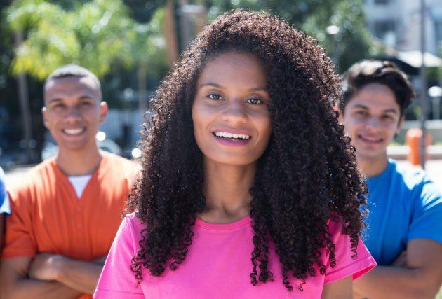 cabelos longos 630x427 - Corte: cabelo longo repicado, com franja, desfiado e reto