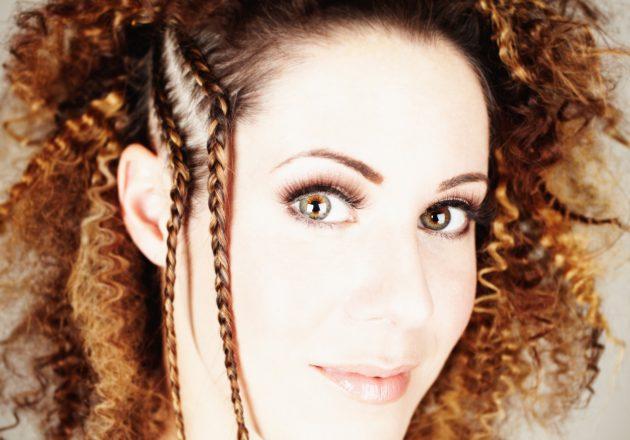 iStock 182468672 630x440 - Trança lateral: penteados lindos com trança lateral para se inspirar
