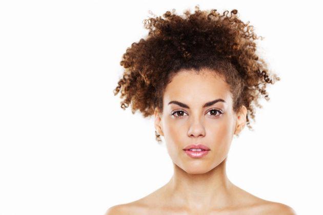 penteado para cabelo cacheado curto15 630x420 - Penteado para cabelo cacheado curto: dicas e inspirações para todas as ocasiões