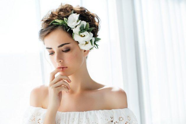 Cabelo curto ondulado penteados 1 630x420 - Cabelo curto ondulado: inspirações dicas de cuidados, cortes, penteados, cores e finalizações