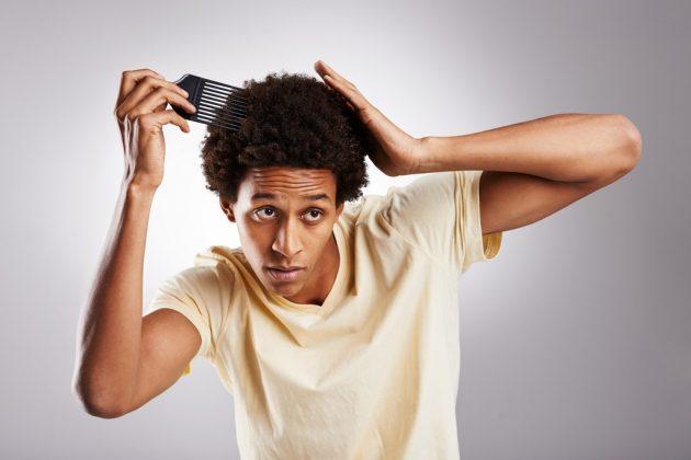 Pente garfo: saiba como usar da forma correta e ter cabelos volumosos