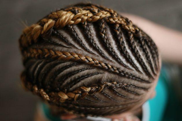 Tranças afro nagô 5 630x420 - Tranças afros de lã, jumbo, fibra, rasta, nagô e outras: fotos e dicas para manutenção e cuidados