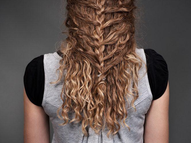 Tranças para casamento convidadas 1 665x498 - Tranças para casamento: fotos e dicas para escolher o seu penteado com trança
