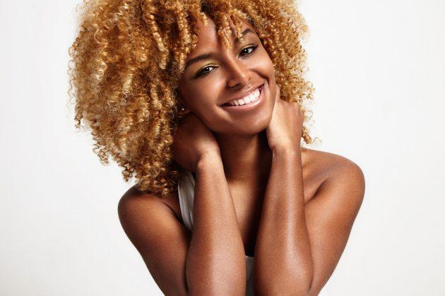 descolorir cabelo shutter foto 1 630x420 - Descolorir cabelo: dicas e cuidados pré e pós descoloração dos fios