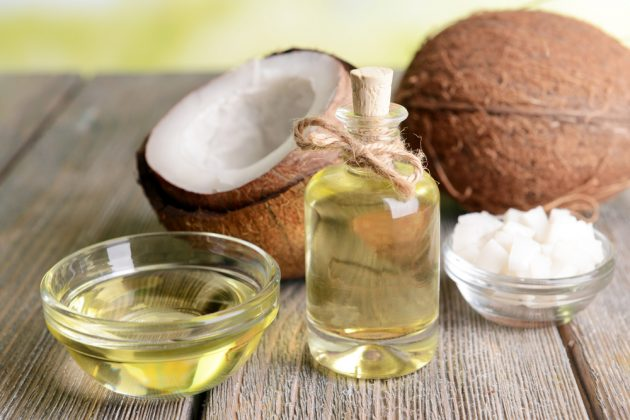 hidratação com óleo de coco 1 630x420 - Hidratação com óleo de coco: como fazer em casa